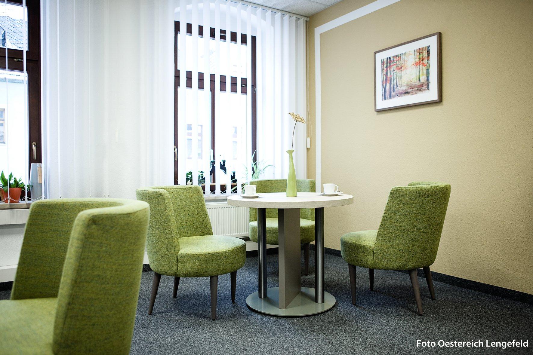 Büromöbel für Empfangsraum / Beratungsraum