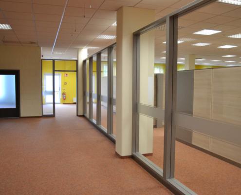 Trennwandsystem Jobcenter Döbeln, Eingangsbereich