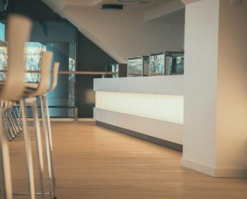 Tresenbereich VIP-Lounge Möblierung für Sportstätte